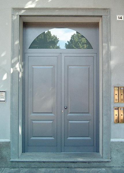 Cornici finestre design interno ed esterno - Cornici finestre in polistirolo ...